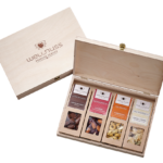 Mit wellnuss Branding - 4 Snacks in der Birkenholzbox-0