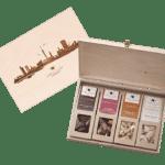 Mit Hamburg Branding - 4 Snacks in der Birkenholzbox-0